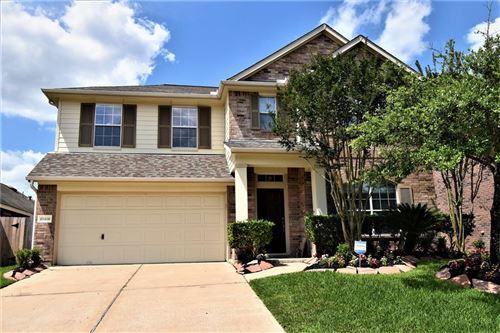Photo of 11410 N Creekwood Hills Lane, Houston, TX 77070 (MLS # 69886928)