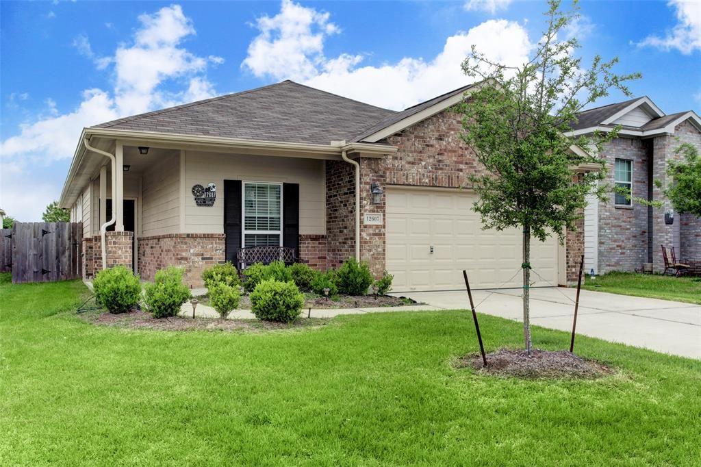 Photo for 12607 Meadow Frost Lane, Houston, TX 77044 (MLS # 71653929)