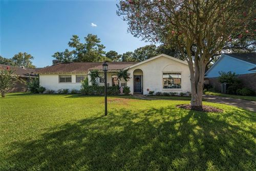 Photo of 18230 Point Lookout Drive, Nassau Bay, TX 77058 (MLS # 48788930)