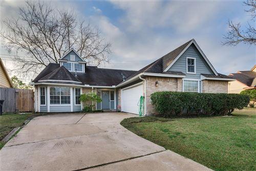 Photo of 2702 Ashford Trail Drive, Houston, TX 77082 (MLS # 10383936)
