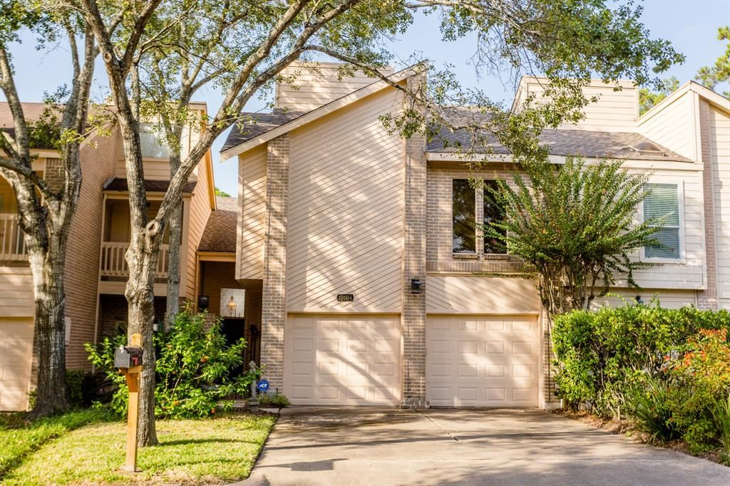 Photo for 10104 Valley Forge Drive, Houston, TX 77042 (MLS # 7496941)