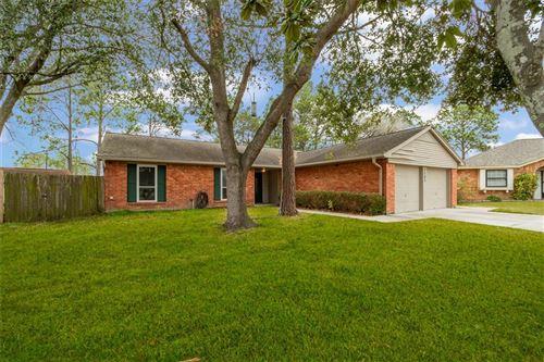 Photo of 2303 Heritage Bend Court, Webster, TX 77598 (MLS # 32732943)