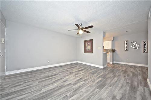 Tiny photo for 845 Augusta Drive #6, Houston, TX 77057 (MLS # 10930953)