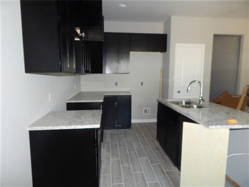 Tiny photo for 821 Omeara, Montgomery, TX 77316 (MLS # 3433962)