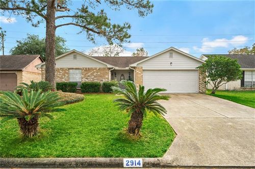 Photo of 2914 S Peach Hollow Circle, Pearland, TX 77584 (MLS # 52953967)