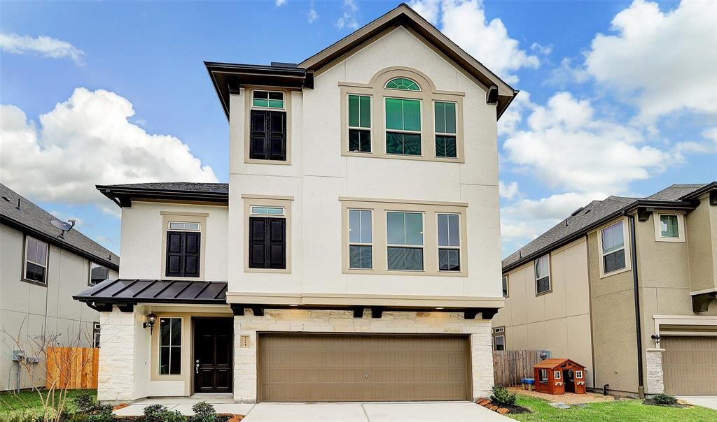 Photo for 5114 West Lacey Garden Loop, Houston, TX 77018 (MLS # 68896969)