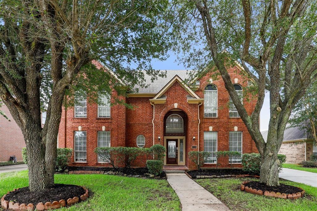 Photo for 13710 Hidden Dell Court, Houston, TX 77059 (MLS # 48052971)