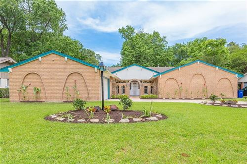 Photo of 18519 Point Lookout Drive, Nassau Bay, TX 77058 (MLS # 38433973)