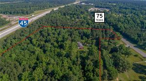 Photo of 15425 N Highway 75 Highway, Willis, TX 77378 (MLS # 51975974)