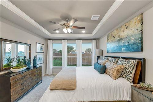 Tiny photo for 108 E Christine Manor, Montgomery, TX 77316 (MLS # 55264977)