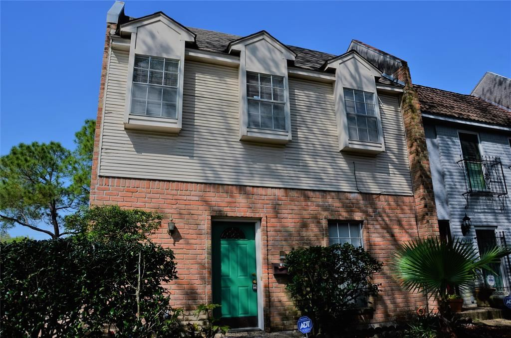 Photo for 10768 Briar Forest Drive #6/9, Houston, TX 77042 (MLS # 76599978)