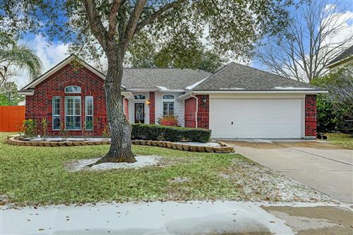 Photo of 815 Courtside Drive, League City, TX 77573 (MLS # 87524979)