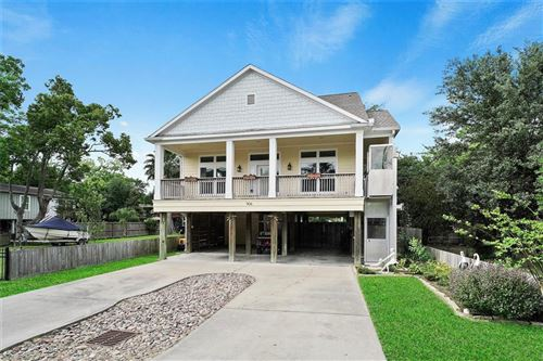 Photo of 906 Dogwood Road, Clear Lake Shores, TX 77565 (MLS # 47308980)