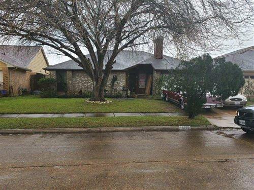 Photo of 16706 Sonata Court, Houston, TX 77053 (MLS # 34106982)