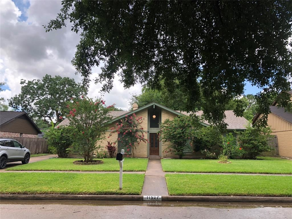 Photo for 11527 Green Glade Drive, Houston, TX 77099 (MLS # 49671984)