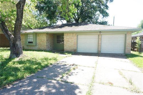 Photo of 17006 Woodburn Drive, Houston, TX 77049 (MLS # 71029986)