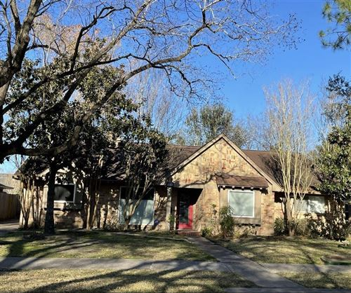 Photo of 5814 Braesheather Drive, Houston, TX 77096 (MLS # 6920987)