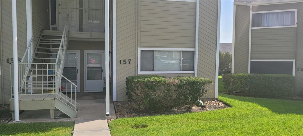 Photo for 157 April Point Drive #157, Conroe, TX 77356 (MLS # 62263988)