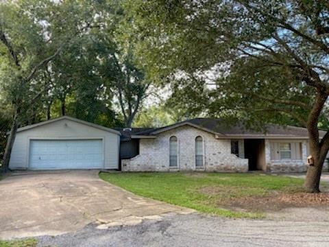 Photo of 910 Broad Ripple Drive, Houston, TX 77336 (MLS # 32004991)