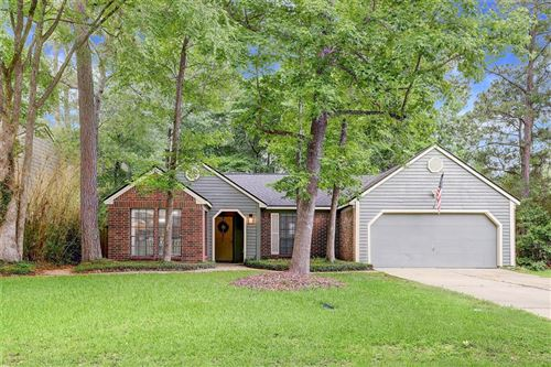 Photo of 4 N White Pebble Court, The Woodlands, TX 77380 (MLS # 11974999)