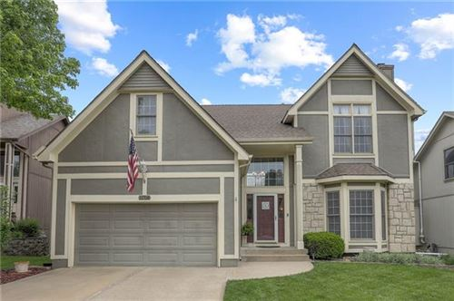 Photo of 11708 W 115th Street, Overland Park, KS 66210 (MLS # 2321006)