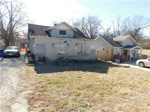 Photo of 1111 E 83rd Terrace, Kansas City, MO 64131 (MLS # 2259008)