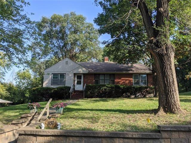 Photo of 1130 Orchard Avenue, Liberty, MO 64068 (MLS # 2247009)