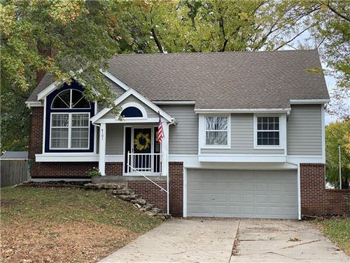Photo of 4101 NW Apple Valley Court, Blue Springs, MO 64015 (MLS # 2248011)