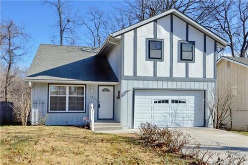 Photo of 4315 N Bellaire Avenue, Kansas City, MO 64117 (MLS # 2259019)