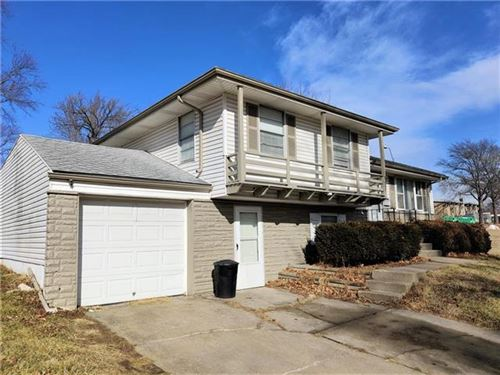 Photo of 8024 NE 51st Street, Kansas City, MO 64119 (MLS # 2259034)