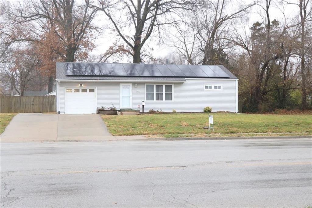 Photo of 8202 E 87th Street, Raytown, MO 64138 (MLS # 2254035)
