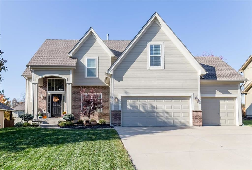 Photo for 1910 Parkside Drive, Liberty, MO 64068 (MLS # 2197040)
