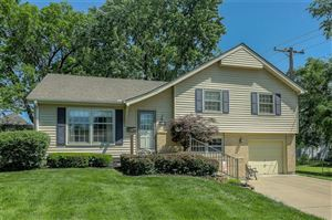 Photo of 7508 W 95 Terrace, Overland Park, KS 66212 (MLS # 2165043)