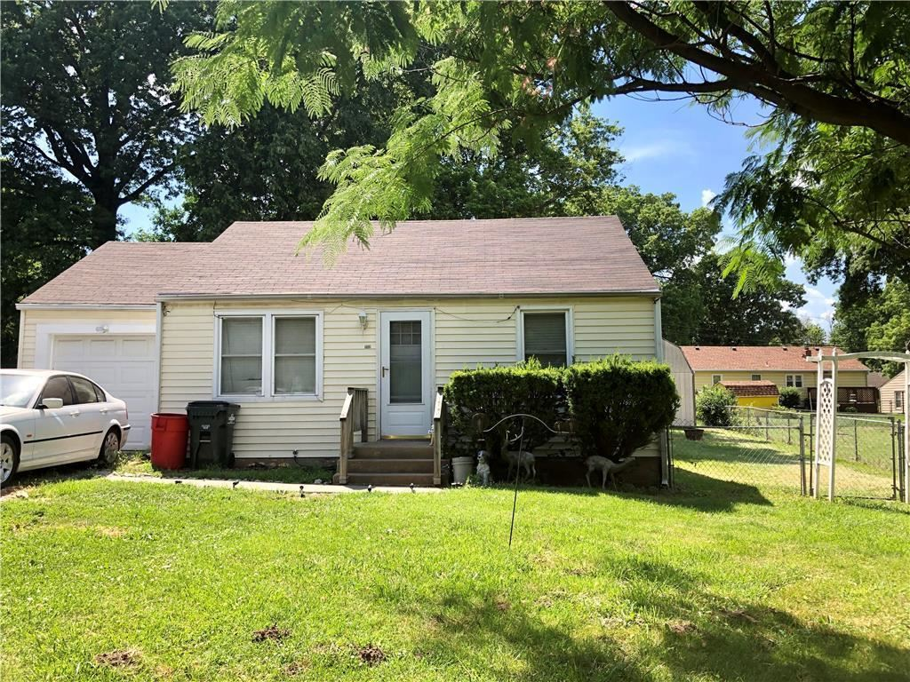 Photo for 1112 S 45 Street, Kansas City, KS 66106 (MLS # 2227043)