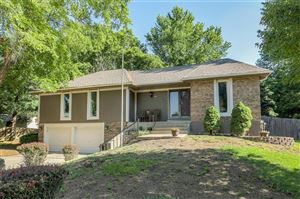 Photo of 821 NW 17th Street, Blue Springs, MO 64015 (MLS # 2172053)