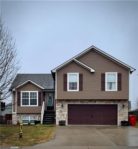 Photo of 727 N Glenview Court, Independence, MO 64056 (MLS # 2203053)