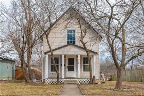 Photo of 522 N Independence Street, Pleasant Hill, MO 64080 (MLS # 2307054)
