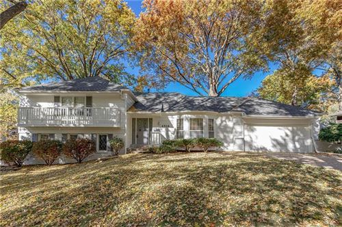 Photo of 4516 W 97th Street, Overland Park, KS 66207 (MLS # 2236065)