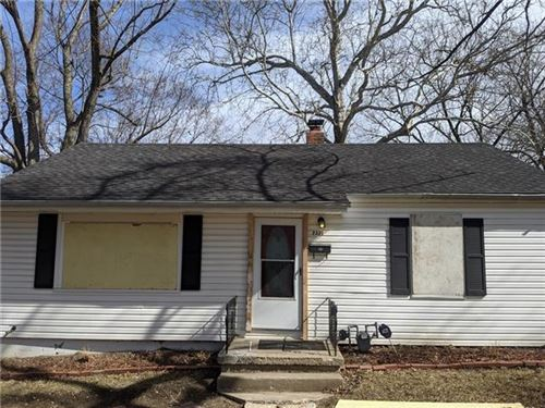 Photo of 2331 S Hall Road, Independence, MO 64052 (MLS # 2307071)