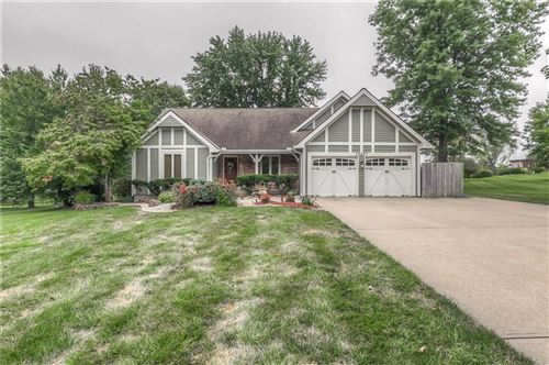 Photo of 10495 W 164th Street, Overland Park, KS 66221 (MLS # 2242088)