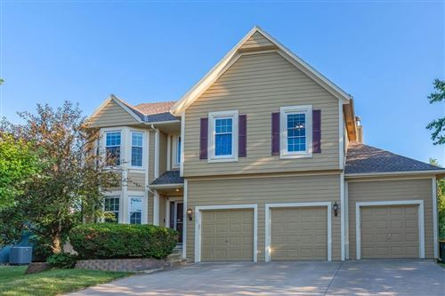 Photo of 8507 W 155th Place, Overland Park, KS 66223 (MLS # 2227099)