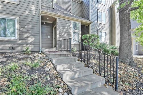 Photo of 11138 Nieman Road #202, Overland Park, KS 66210 (MLS # 2244102)