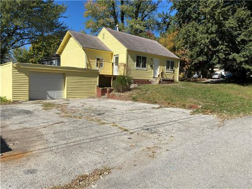 Photo of 2700 S NORWOOD Avenue, Independence, MO 64052 (MLS # 2259109)