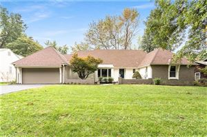 Photo of 7615 W 100th Place, Overland Park, KS 66212 (MLS # 2194125)