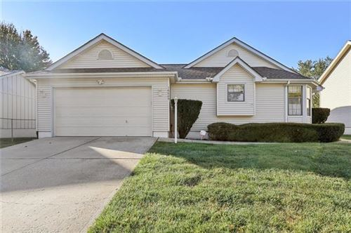 Photo of 16609 E 52nd Street S, Independence, MO 64055 (MLS # 2351130)