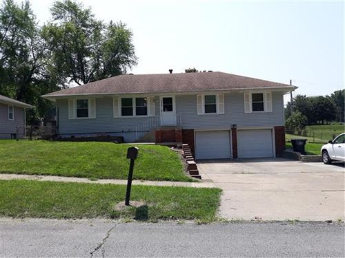 Photo of 16303 E 35th Street S, Independence, MO 64055 (MLS # 2352137)