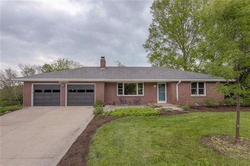 Photo of 15655 Nall Avenue, Overland Park, KS 66223 (MLS # 2321140)
