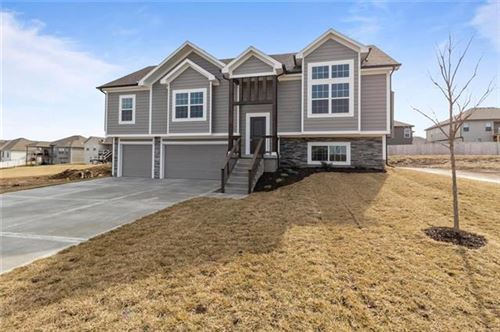 Photo of 1293 NW Hickorywood Court, Grain Valley, MO 64029 (MLS # 2351144)