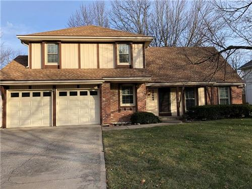 Photo of 10449 Bradshaw Street, Overland Park, KS 66215 (MLS # 2259148)