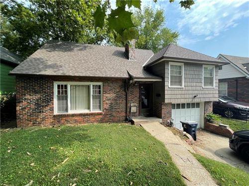 Photo of 1330 E 78th Street, Kansas City, MO 64131 (MLS # 2339148)